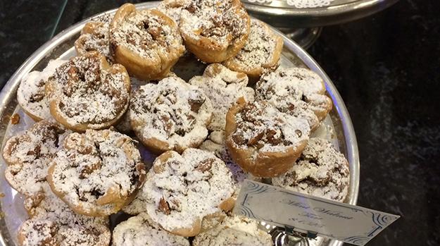 Le-Petit_walnut-tarts2